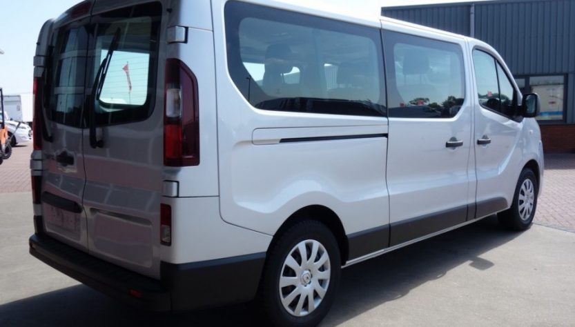 Renault Trafic mikroautobusu nuoma
